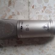 Micro Behringer B1 y audiotecnica