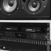 Producción, mezcla y masterización.