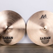 "Set Sabian AA (14"" AA hats, 16"" + 18"" AA crash, 20"" AA Ride)"