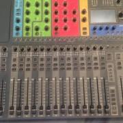 Mesa mezclas soundcraft xpression 3 mas patch
