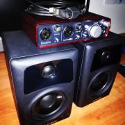 Focusrite 2i2 Scarlet + M Audio