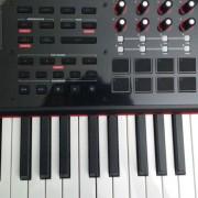 Teclado controlador M-audio CTRL 49