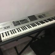 Roland Fantom X8 + flightcase
