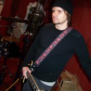 Cantante-guitarrista busca banda u otros musicos para formar una