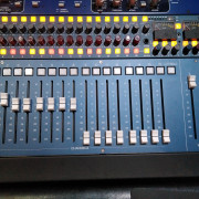 Neve 8816 más Faderpack Neve 8804