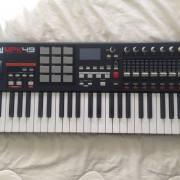 Teclado MIDI AKAI MPK49