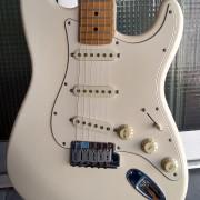 Fender Stratocaster American Standard blanca