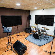 Magnificas salas de ensayo por horas en Poblenou.