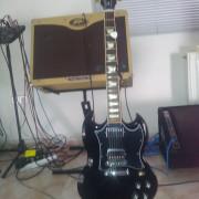 Gibson sg standar 2011