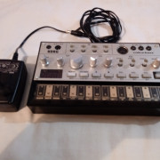 Volca Bass + adaptador PSA korg