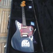 Fender Jaguar de 1965 con hardcase original.