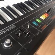 Sintetizador analógico Roland Saturn 09