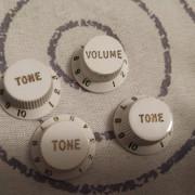 Potenciómetros Fender blancos