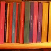 libros de la Edad Media. cambiaría por un sampler, altavoces, guitarra, mezclador o proyector