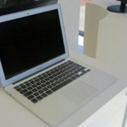 macbook air 13,3 a1466
