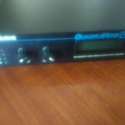 Alesis Quadraverb GT 1991 + Pedales MIDI Roland: EV5 y Expresion ZOOM 8050