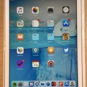 """iPad Pro 9,7"""" de 128gb Wifi + Smart Keyboard"""