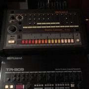 VENDO TR 909 (UNICA) NEGRA