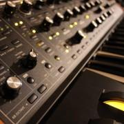 Moog Sub 37 Tribute Edition (Como nuevo, casi sin uso)