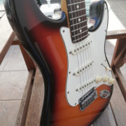 Vendo o cambio Fender stratocaster am std del 97