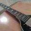 Guitarra tipo flying v