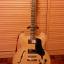 Guitarra tipo Gibson ES-335