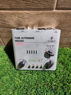 Previo Tube Ultragain MIC200 Behringer