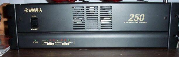 Amplificador Yamaha 250xs
