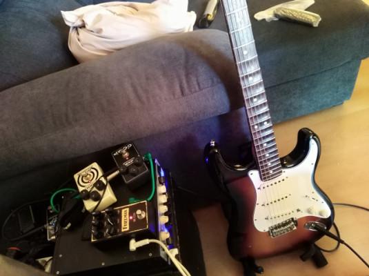 Guitarra solista/ rítmico para grupo ya hecho hard-rock, rock, blues, funk psicodelia