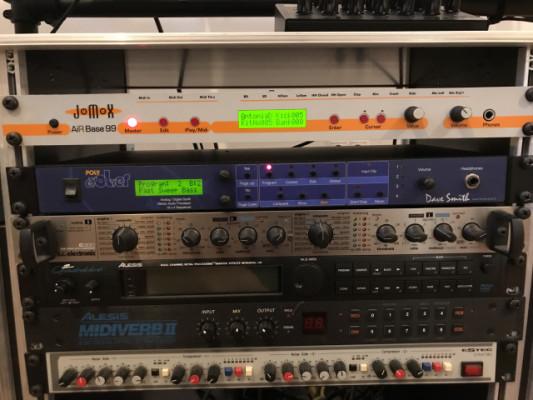 Dave Smith Poly Evolver Rack PER synth