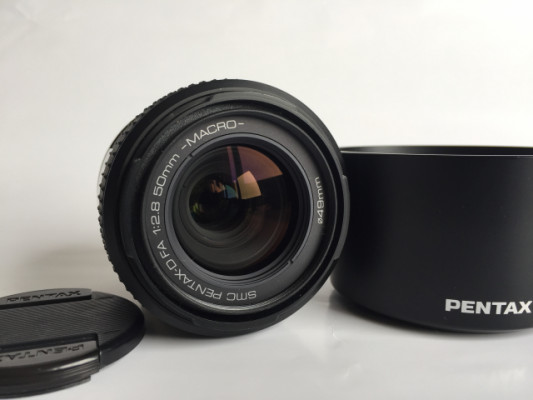 Pentax 50mm f2.8 MACRO y Sigma 70-210mm
