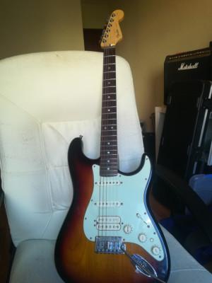 Fender American Deluxe HSS. Bajo el precio a 950 (antes 1.100€)