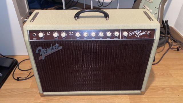 Fender súper sonic 22 blonde