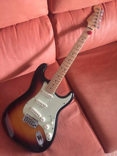 Vendo o cambio Fender Stratocaster made in USA