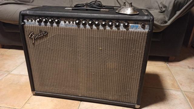Vendo o Cambio Fender twin reverb silverface 100W de 1976