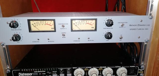 Compresor stereo a válvulas Anthony de Maria ADL1500