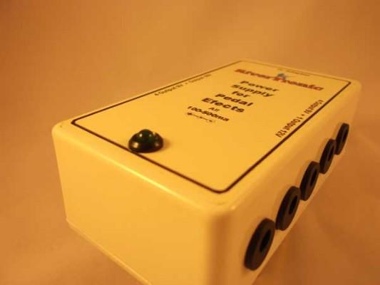 Fuente de alimentación para pedalera de efectos 10 Salidas (9V 12V 18V)