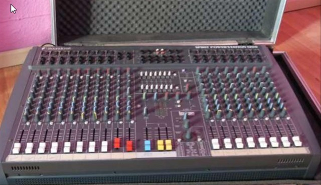 SOUNDCRAFT AUTOAMPLIFICADA 1200