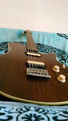Vendo musicman axis supersport limited