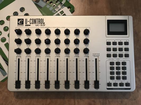 Controlador MIDI Evolution UC33