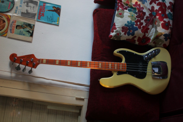 bajo Sx tipo jazz bass