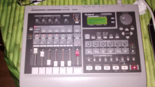 Roland VS840EX con SD
