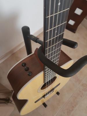 Guitarra Taylor 214ce-N Nylon