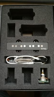 Pastilla EMG GZR Jazz Bass (puente)