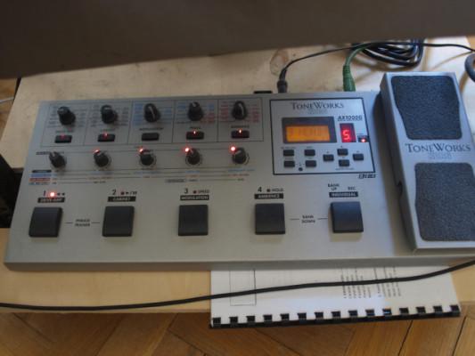 Pedalera  KORG Toneworks AX1000G