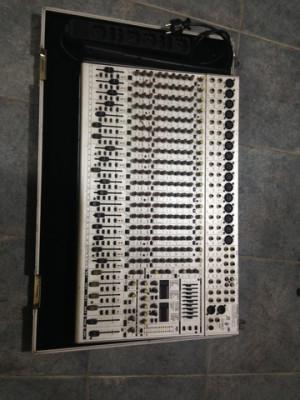 Behringer SL2442 Fx Pro por amplificador bajo