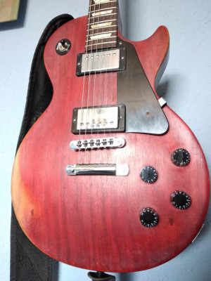 Gibson les paul studio faded 2008