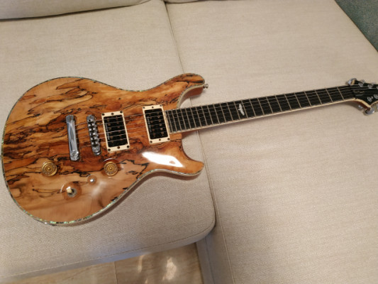 Fame Forum Custom Spalted Maple