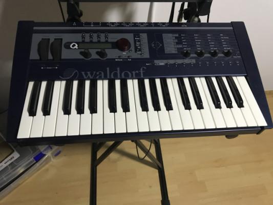 Waldorf Micro Q teclado