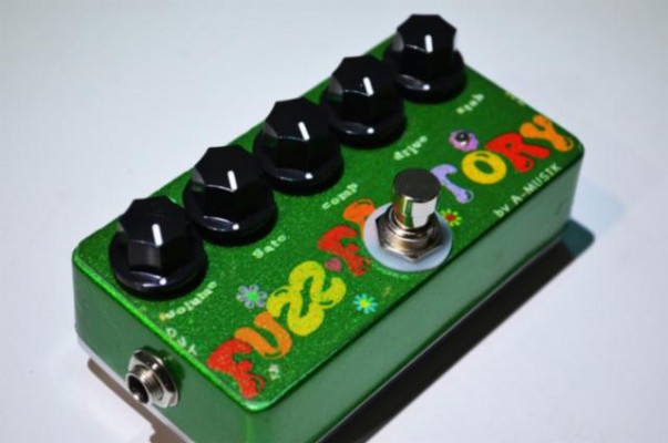 Fuzz Fact.. 100% Clon hand made